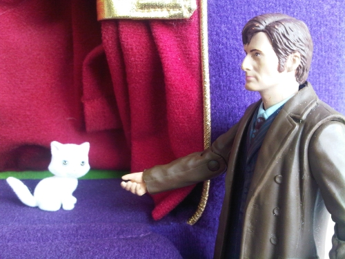 Dr_who_and_a_toy_cat